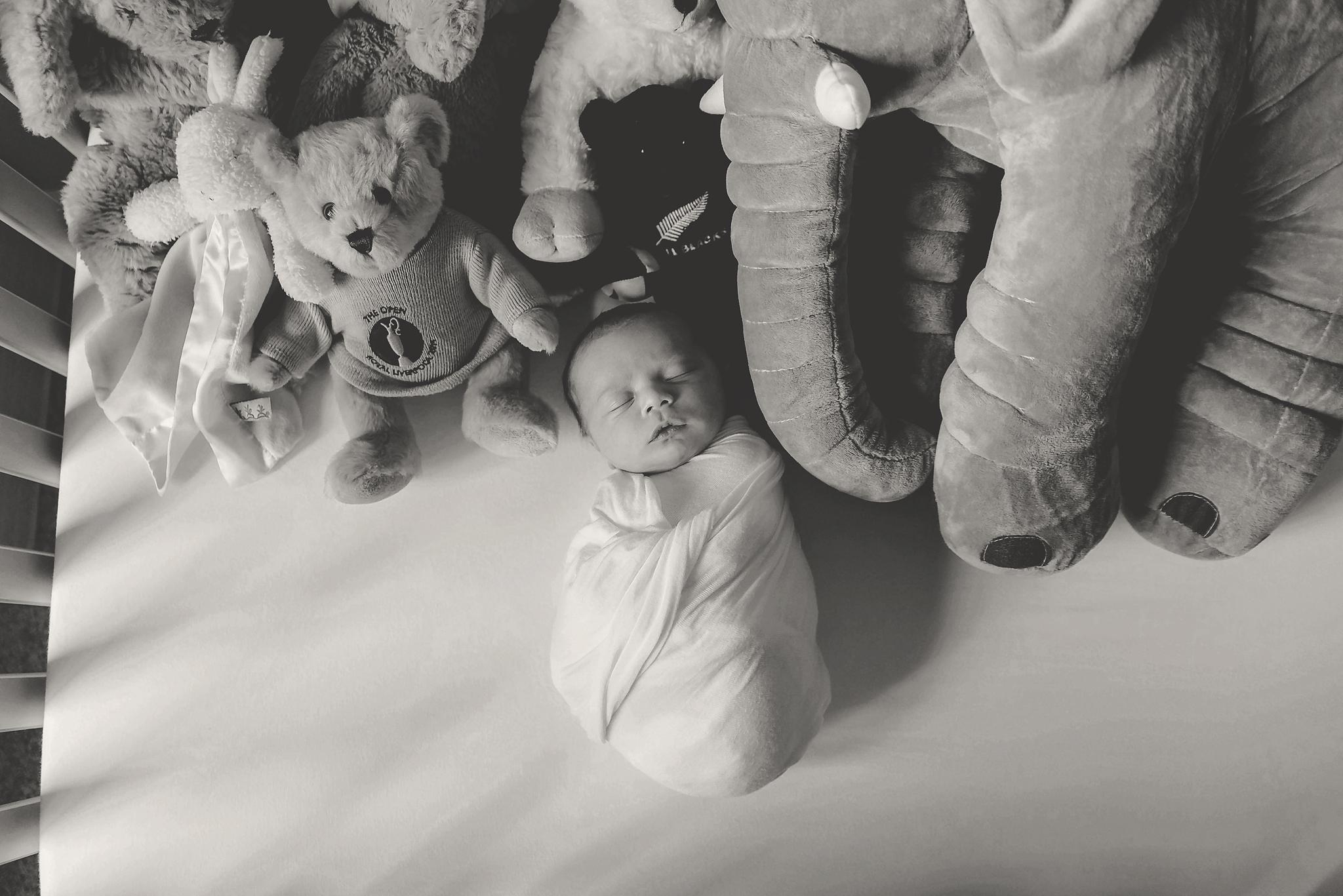 documentary newborn portland oregon photographer (108).jpg