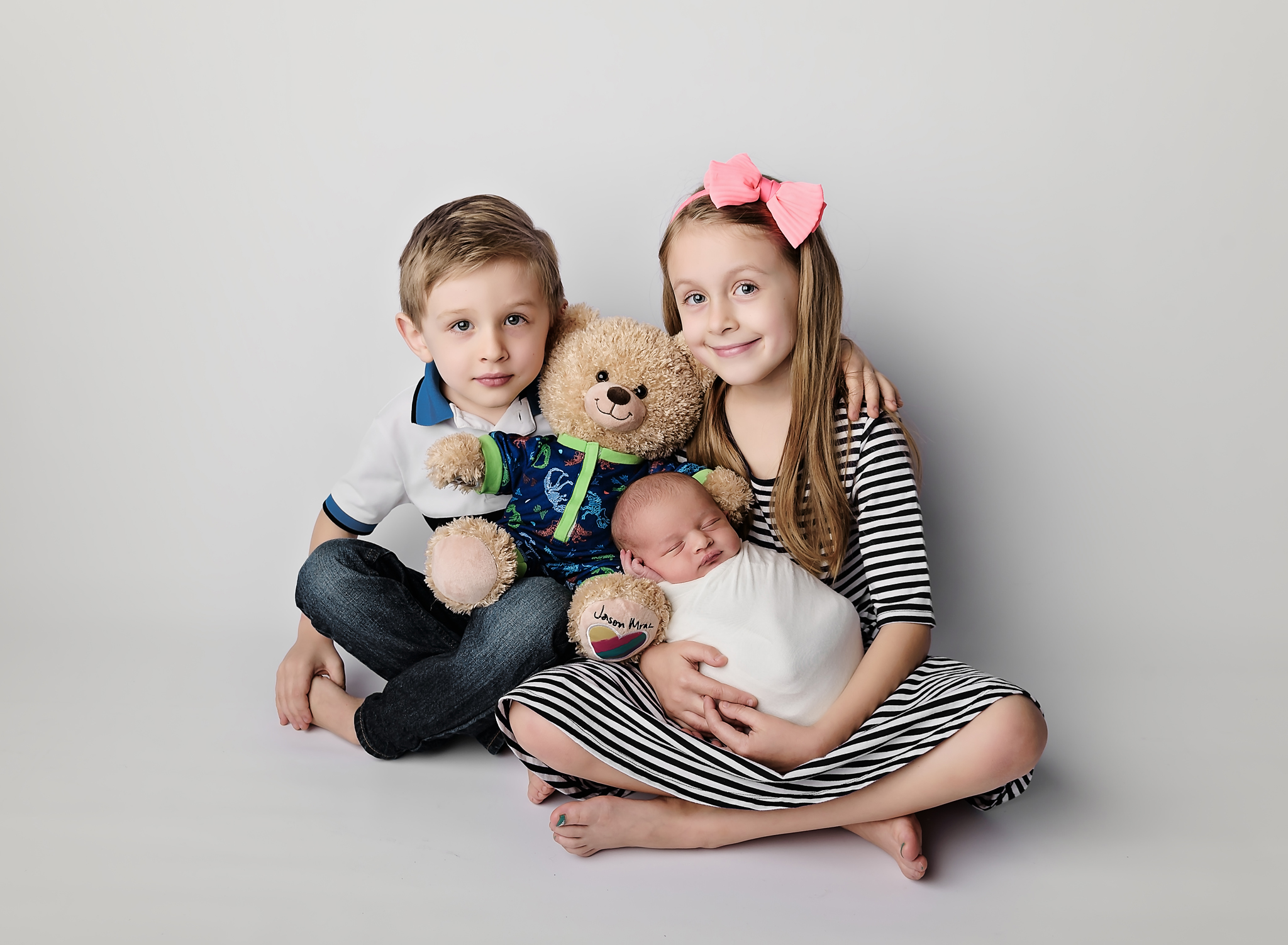 Newborn with siblings portraits