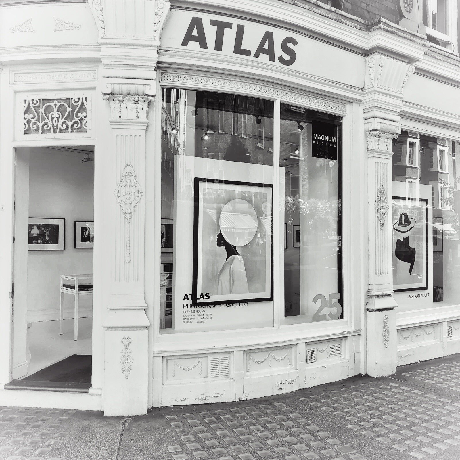 AtlasGallery London Bastiaan Woudt.jpg