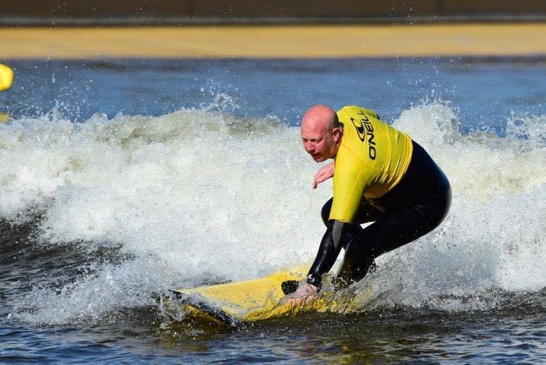 00 Surfing.jpg