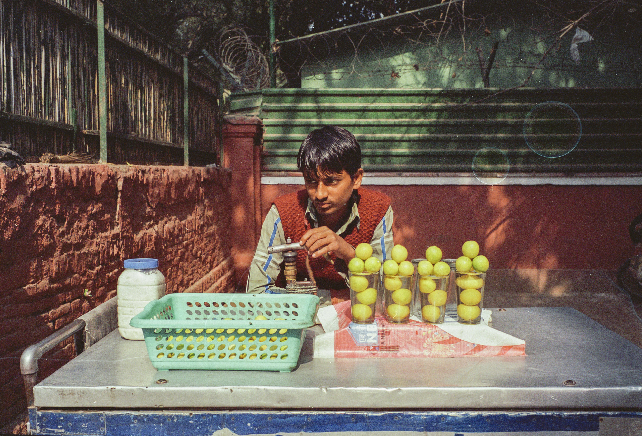 69-F17_Lemon Juice Vender, Delhi, India 2016-67.jpg