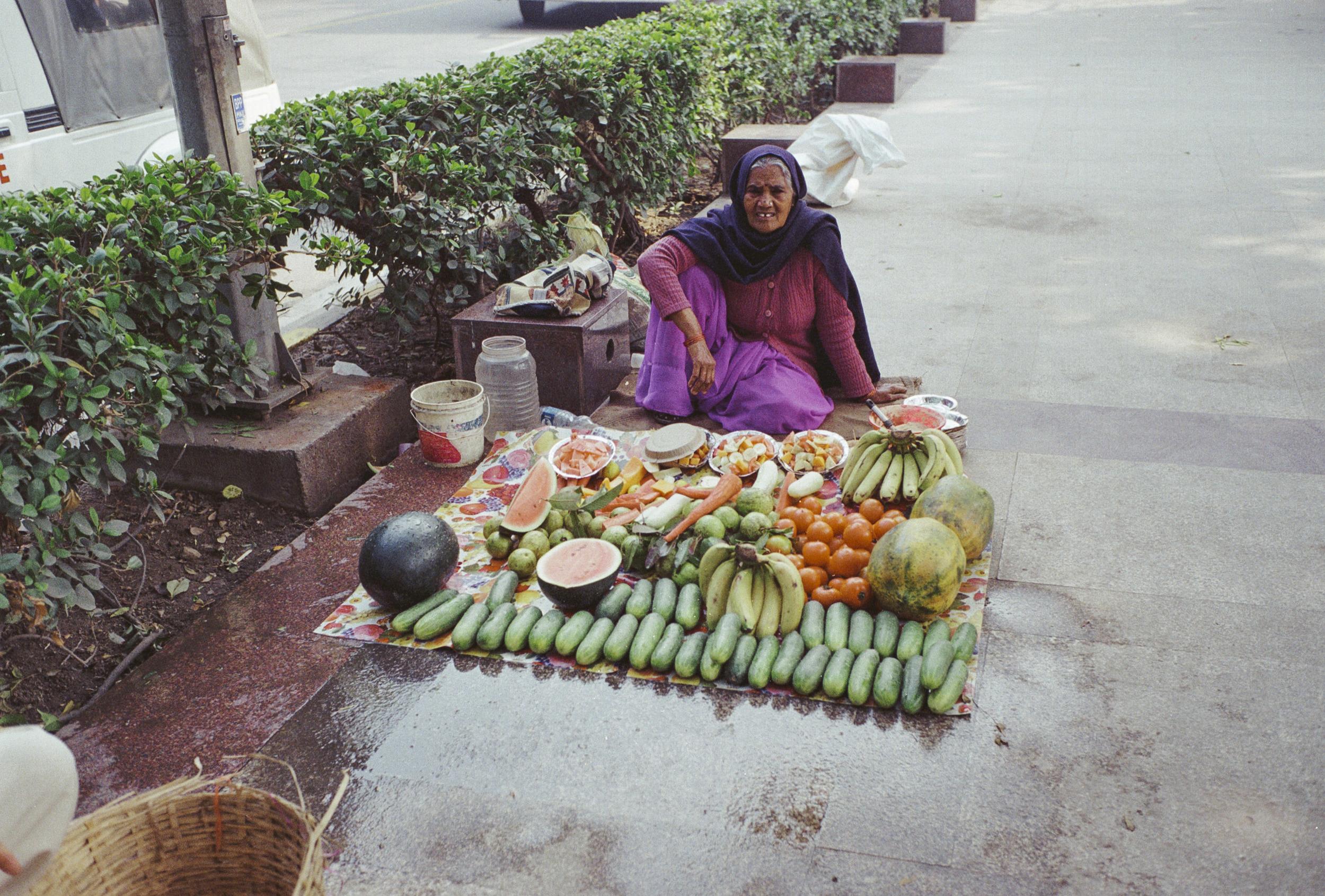 69-F19_Fruit Seller, Delhi, India 2016-70.jpg
