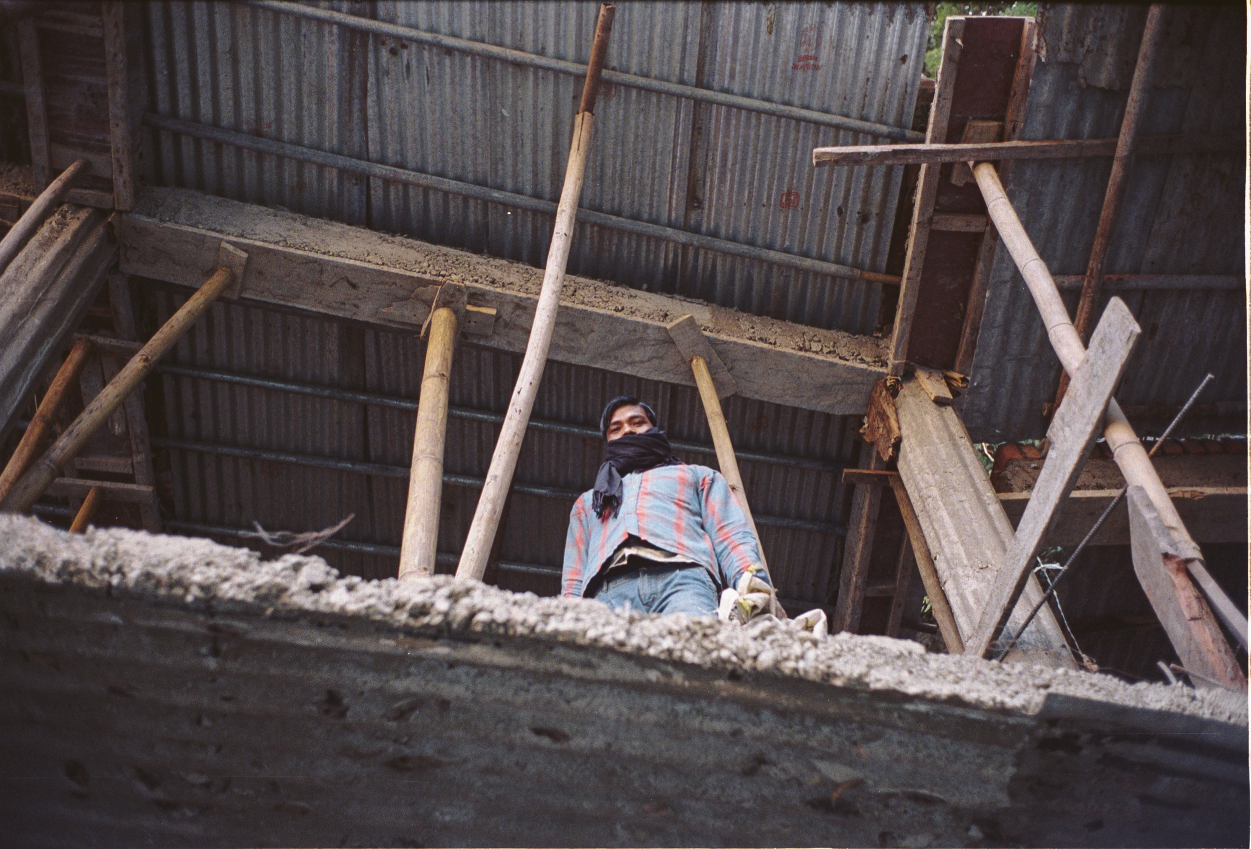 71-F7_Construction Worker, Kempti Falls, Moussoori, India 2016-39.jpg