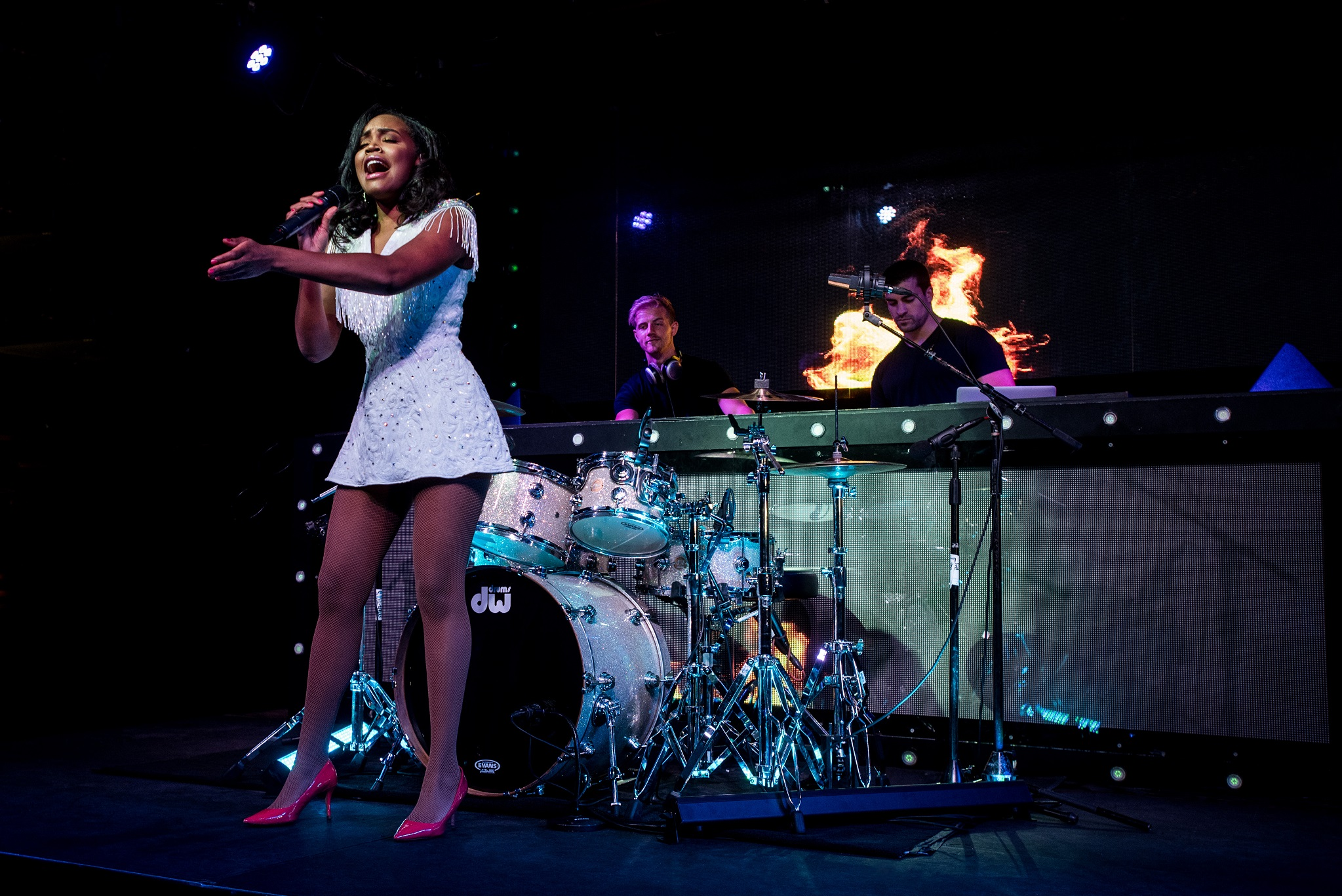 Glorious-Singer-Livetronica Drummer-Producer-Songwriter-Marquee-Nightclub-Video-New York-NY-24lr.jpg
