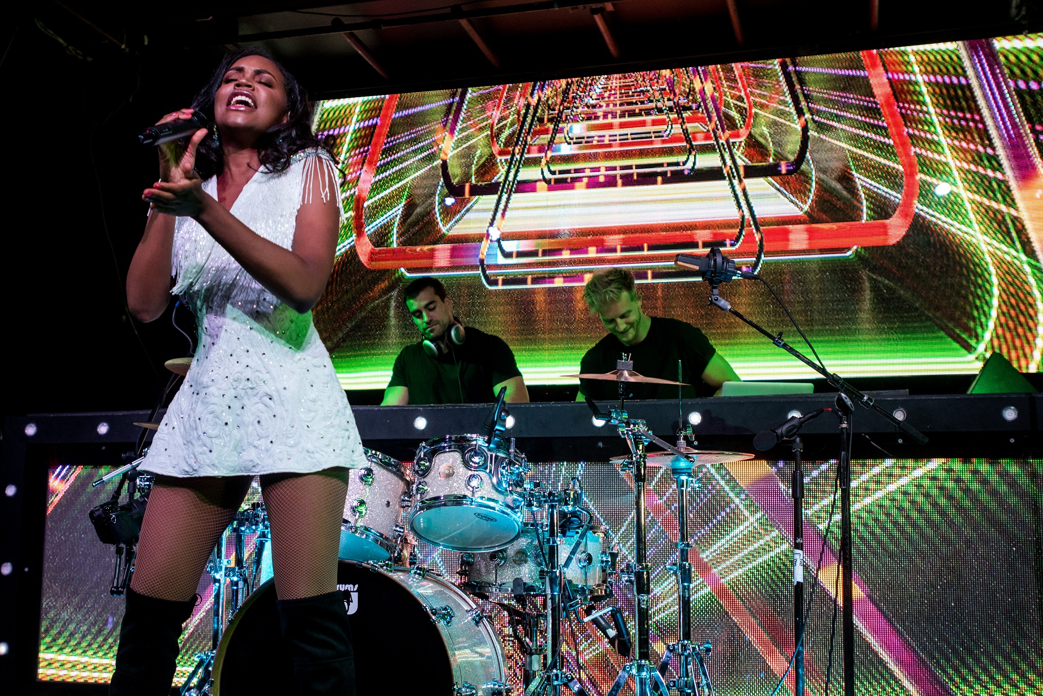 Glorious-Singer-Livetronica Drummer-Producer-Songwriter-Marquee-Nightclub-Video-New York-NY-34lr.jpg