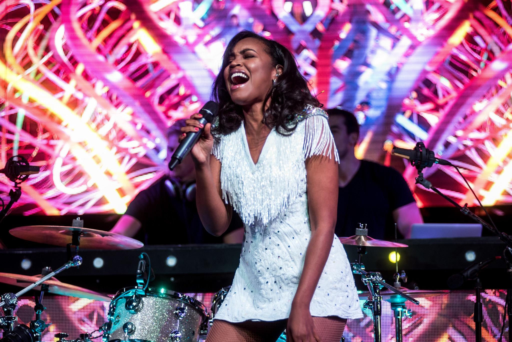 Glorious-Pop Singer-Livetronica Drummer-Producer-Songwriter-Marquee-Nightclub-Video-New York-NY-10lr.jpg