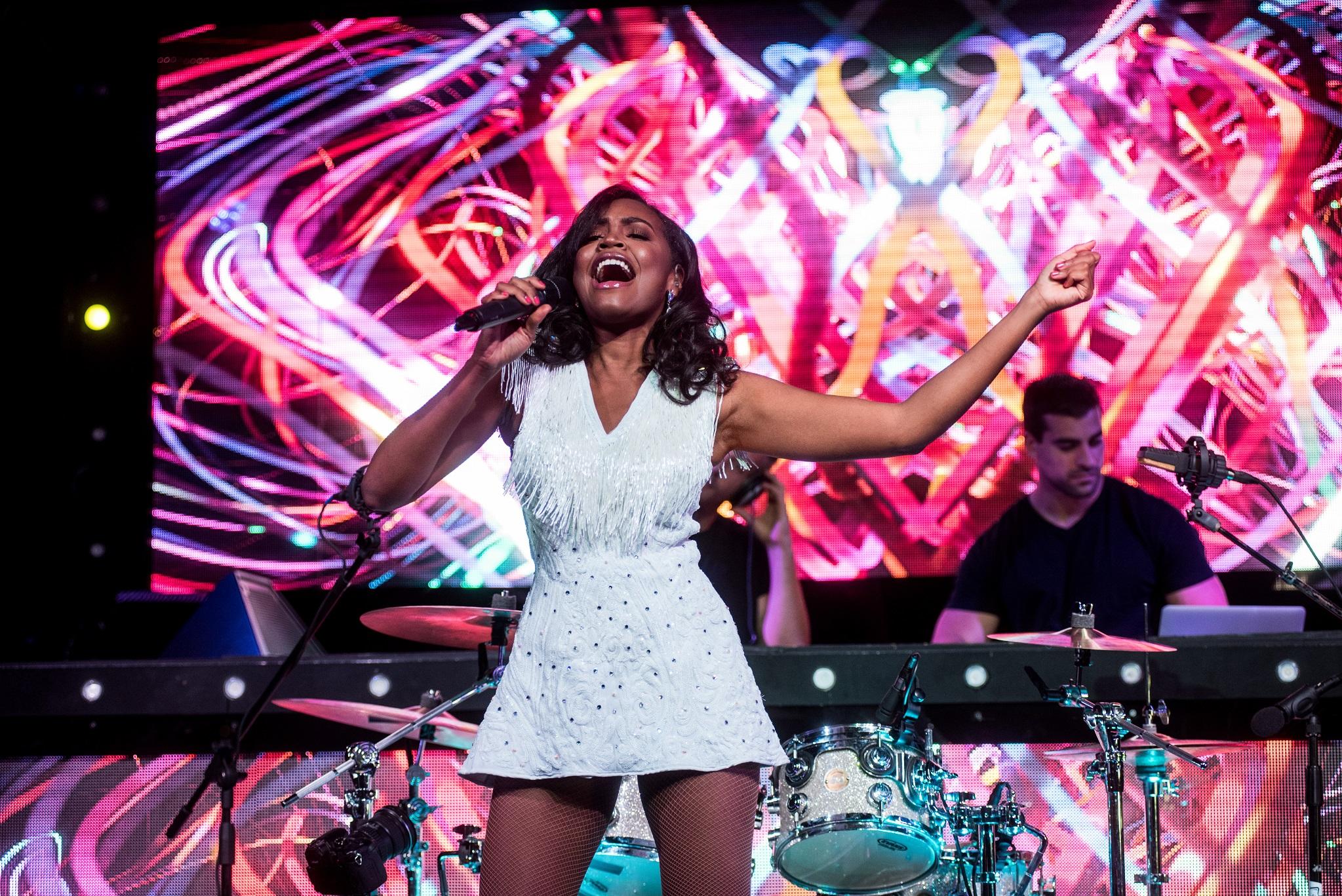 Glorious-Pop Singer-Livetronica Drummer-Producer-Songwriter-Marquee-Nightclub-Video-New York-NY-12lr.jpg