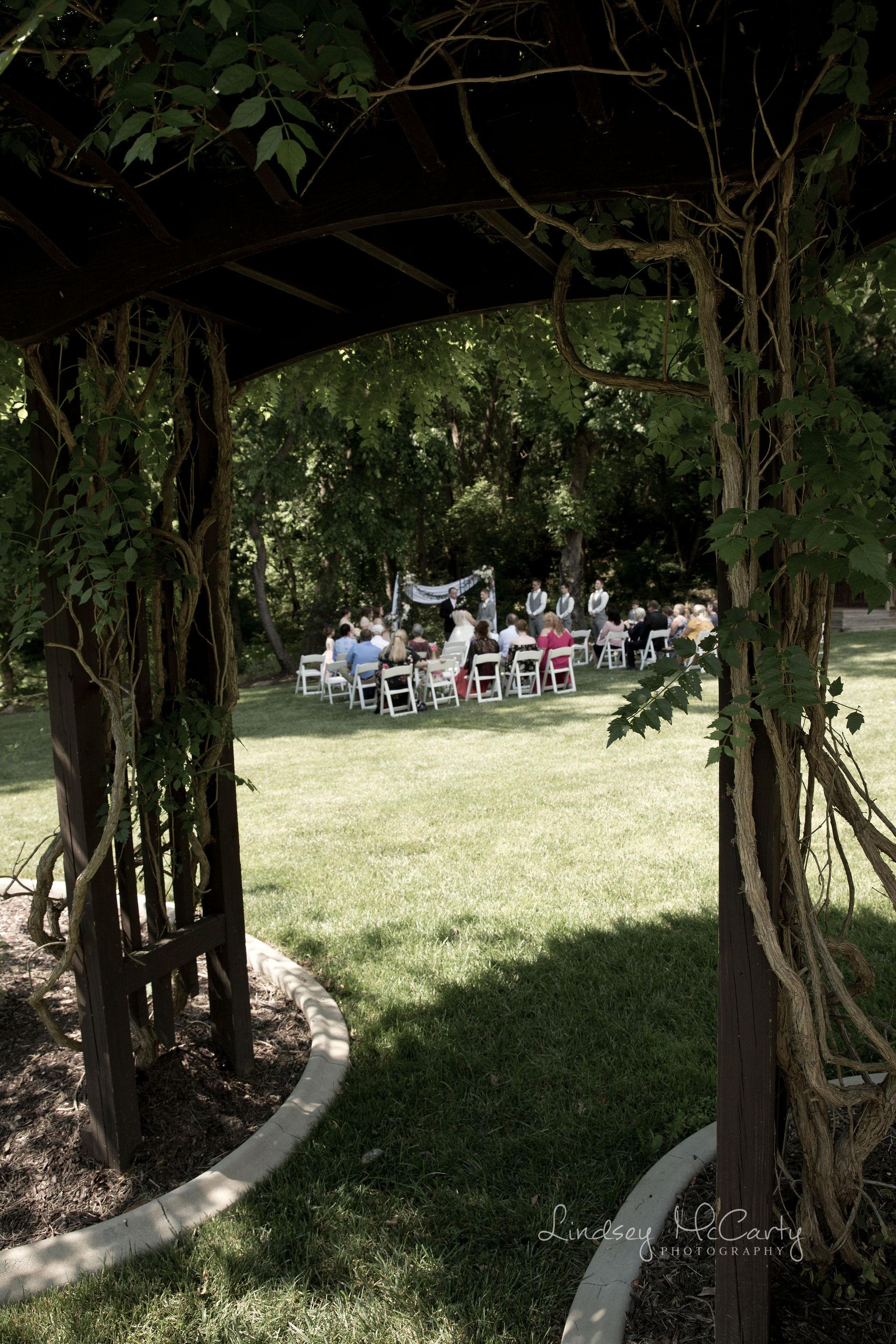 Lindsey McCarty Photography | Roanoke wedding photography | Vinton wedding photography | Virginia wedding photography | The Woodland Place wedding | The Woodland Place wedding photography
