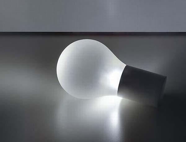 Estasi-Lamp-light-bulb-shape-with-LED-light-source-by-Federico-Delrosso-3.jpg