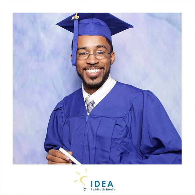 Re-creating school yearbook portraits with @ideaschools • So many wonderful people and inspiring stories #IDEAatSXSW #sxswedu #educators #lightbooth #photobooth