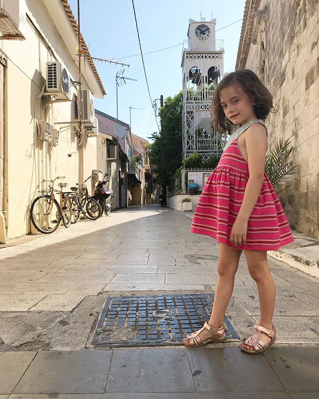 Fall break is coming! Are you heading anywhere? @lovelanedesigns globetrotting in our Maria dress 💖✈️👜 . . . . . . . . . . . #sugarcane #sugarcanesf #kidsclothes #kidsclothing #childrensfashion #madeinamerica #madeinusa #shoplocal #ethicalfashion #inabel #handloom #textilelove #proudlypinoy