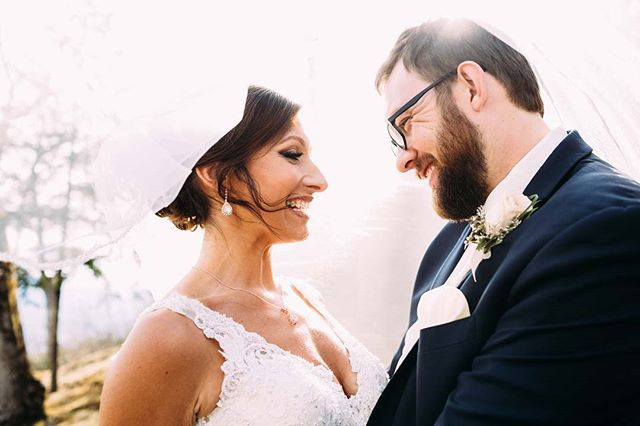 We do a lot for our clients but can't take credit for these smiles! Loving both the light and love shining in this photo:) Photographer @ginnycorbett Venue @twickenham_house Design + Planning @bestdayeverstudios Cellist @saholman21 Caterer @gadabouts_catering Makeup @missjessicahyde Hair @mirrorbomb Videographer @ardenfilmco Bride @jennaymarie22
