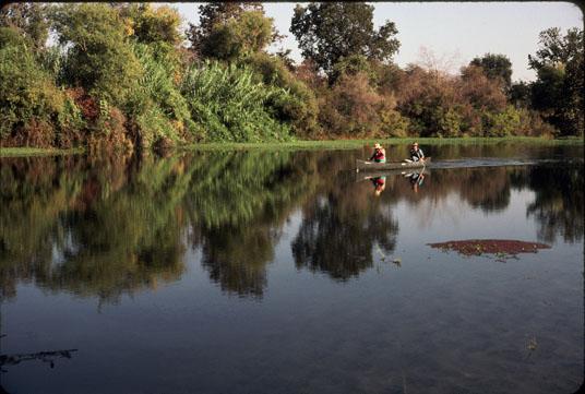 Canoeing_San_Joaquin_River.jpg