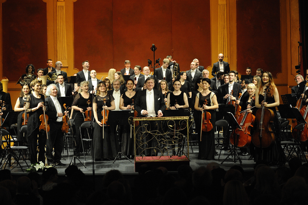 Maestro Lajovic with the Sarajevo Philharmonics on 26.2.2015 in Sarajevo. Photo: A. Zrnko.  Click on the picture to go to the official event site.
