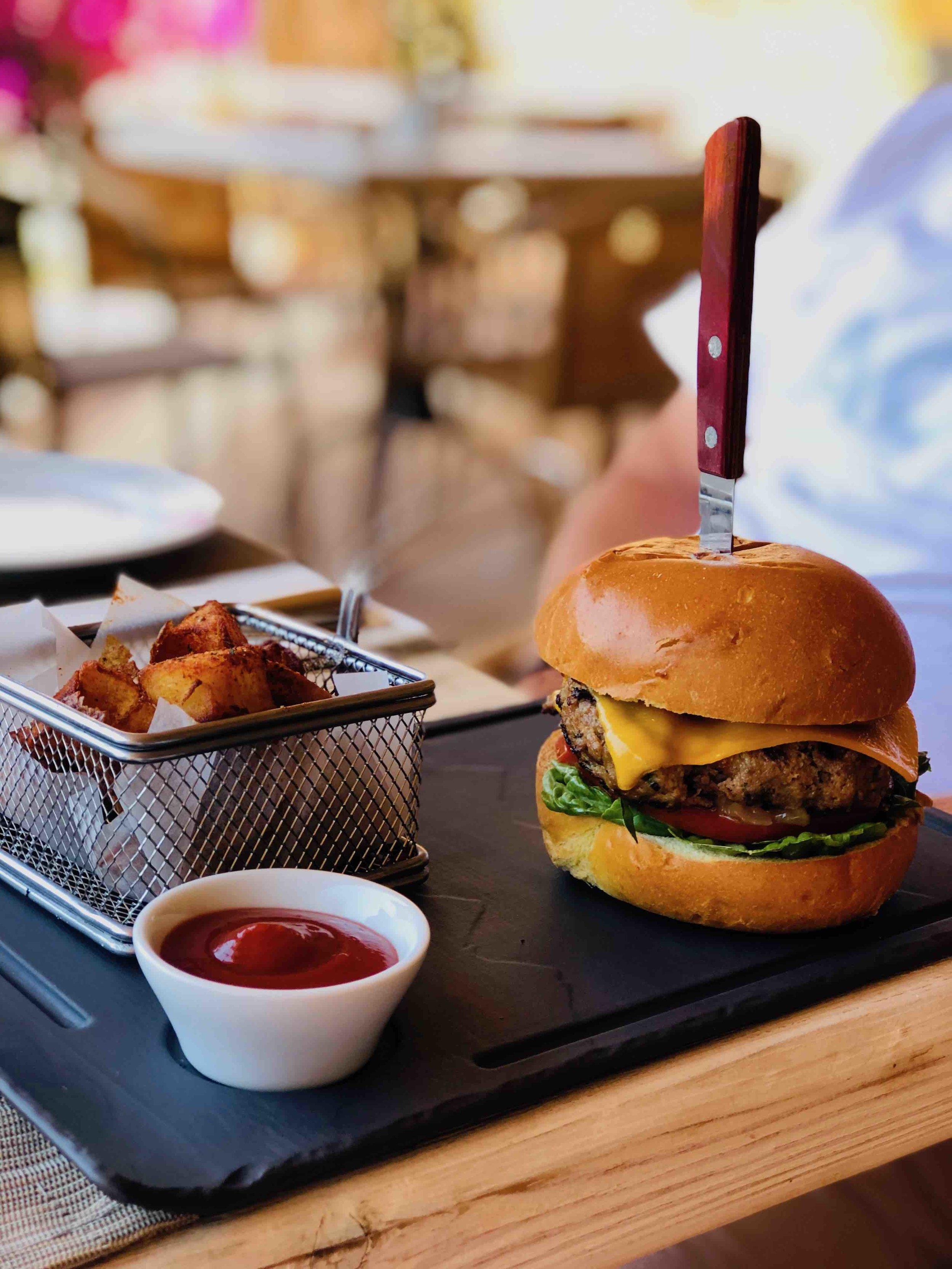 Burger @ Crete Golf