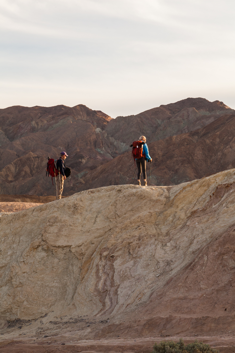 Helynn_Ospina_Travel_Death_Valley_California_01601-23.jpg