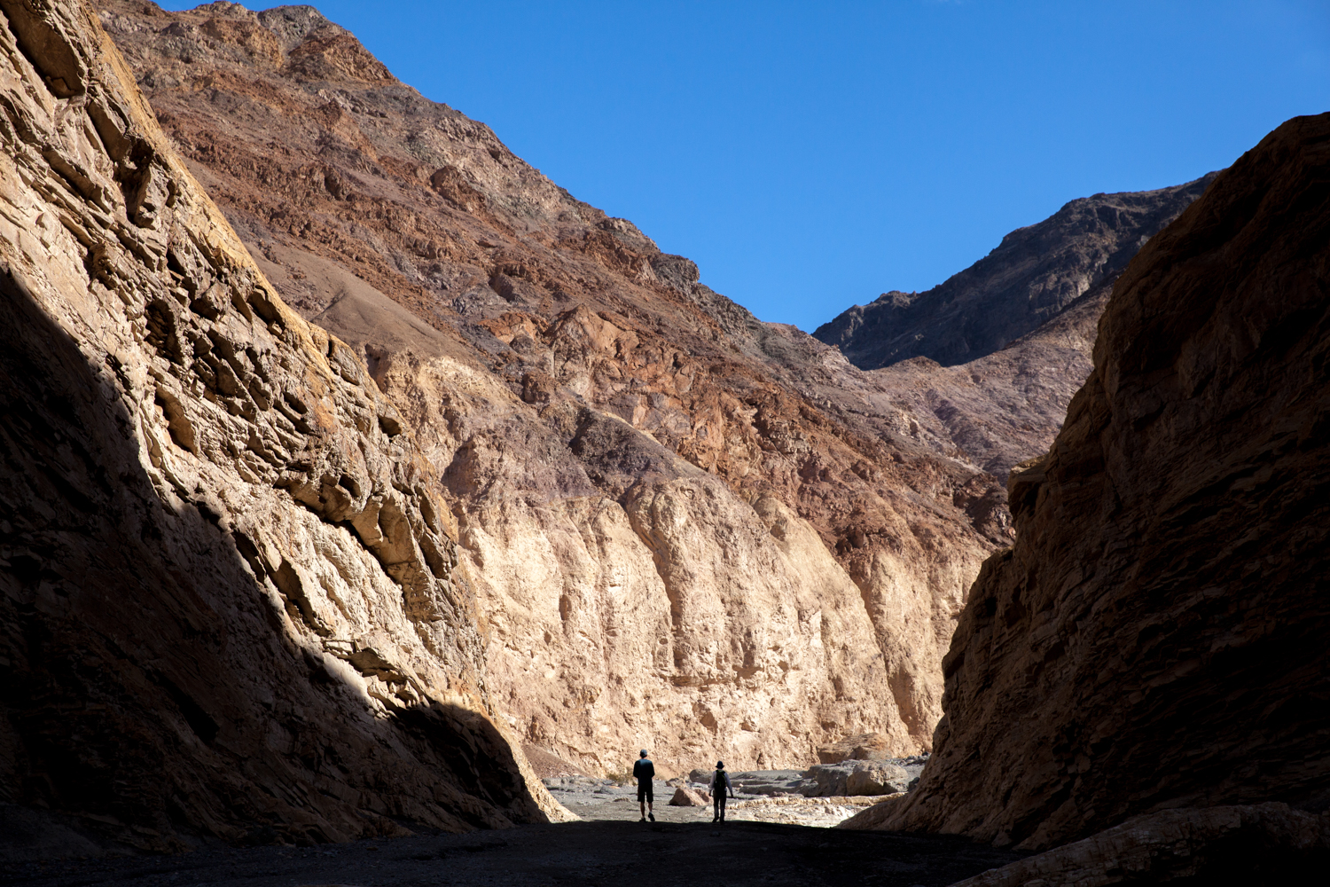 Helynn_Ospina_Travel_Death_Valley_California_01630-26.jpg