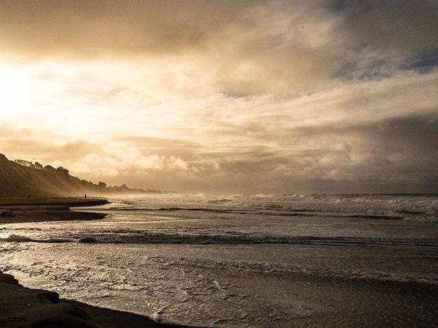 Before the rainbow . . . #ocean#storm#clouds#rain#nature #naturephotography #naturallight #landscape #landscapephotography #california