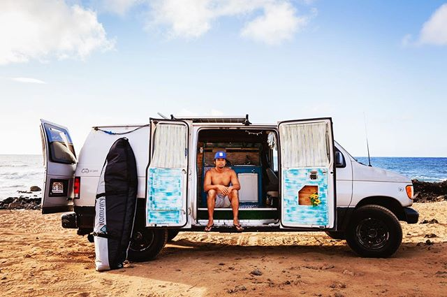 It's cold !  Missing warm Hawaii vibes and van life adventures with this weirdo . . . #vanlife#surfing #hawaii#beach#sunshine#camping