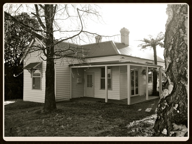 KLR Legal Services is located at 398 Belgrave-Gembrook Rd, Emerald. Contact us on (03) 5968 4126.