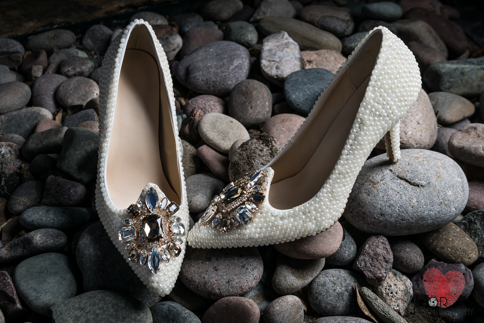 Wedding pearl shoes