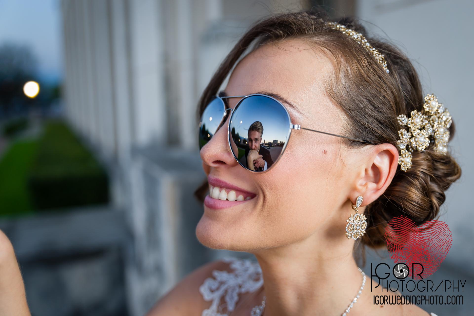 funny dallas wedding photo