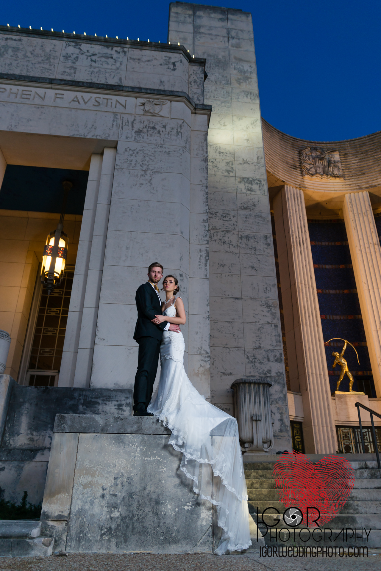 night groom and bride hall of state