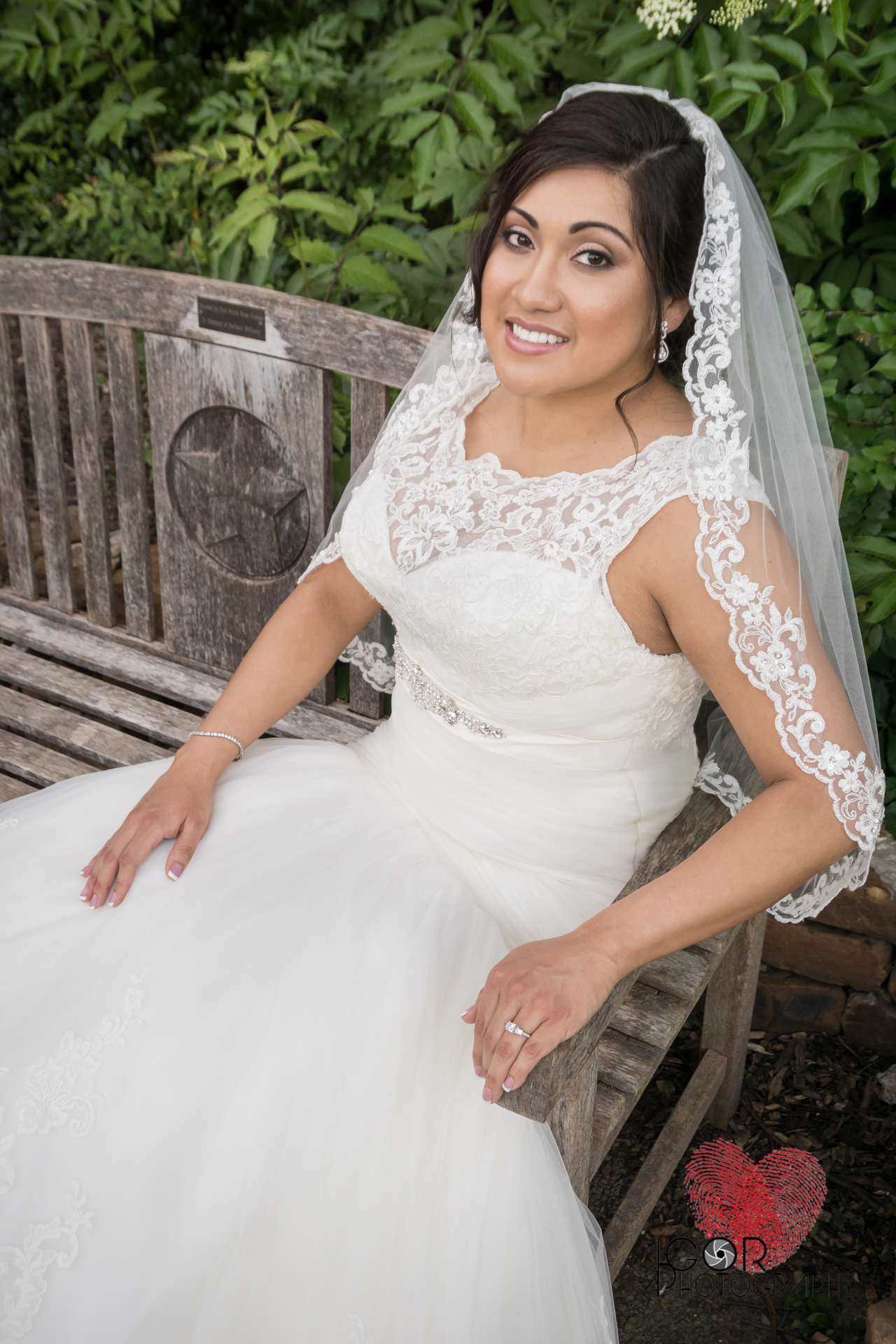 Botanical-garden-bridal-4.jpg