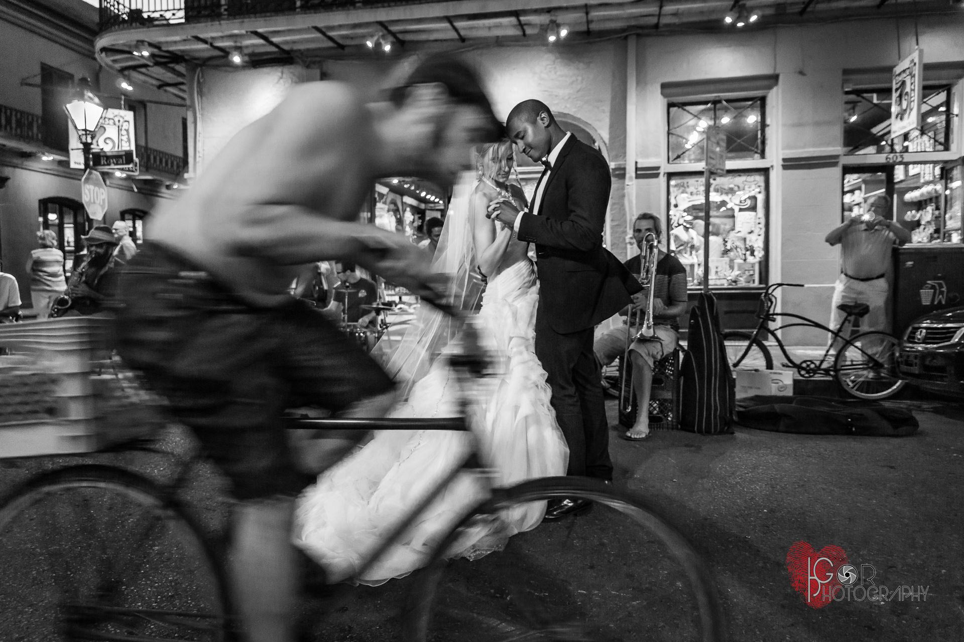 Street wedding photography in Nola