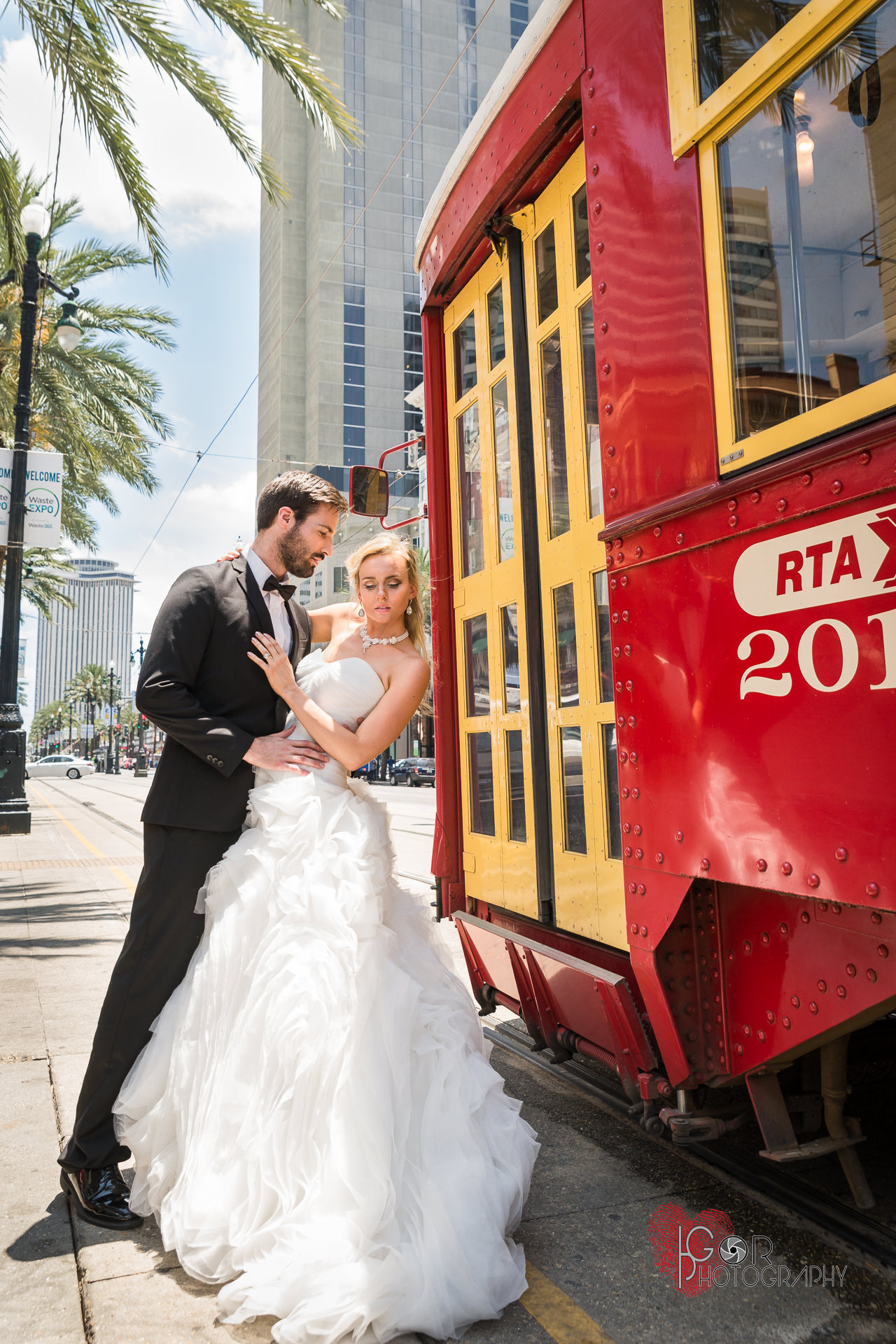 New Orleans Streetcar wedding