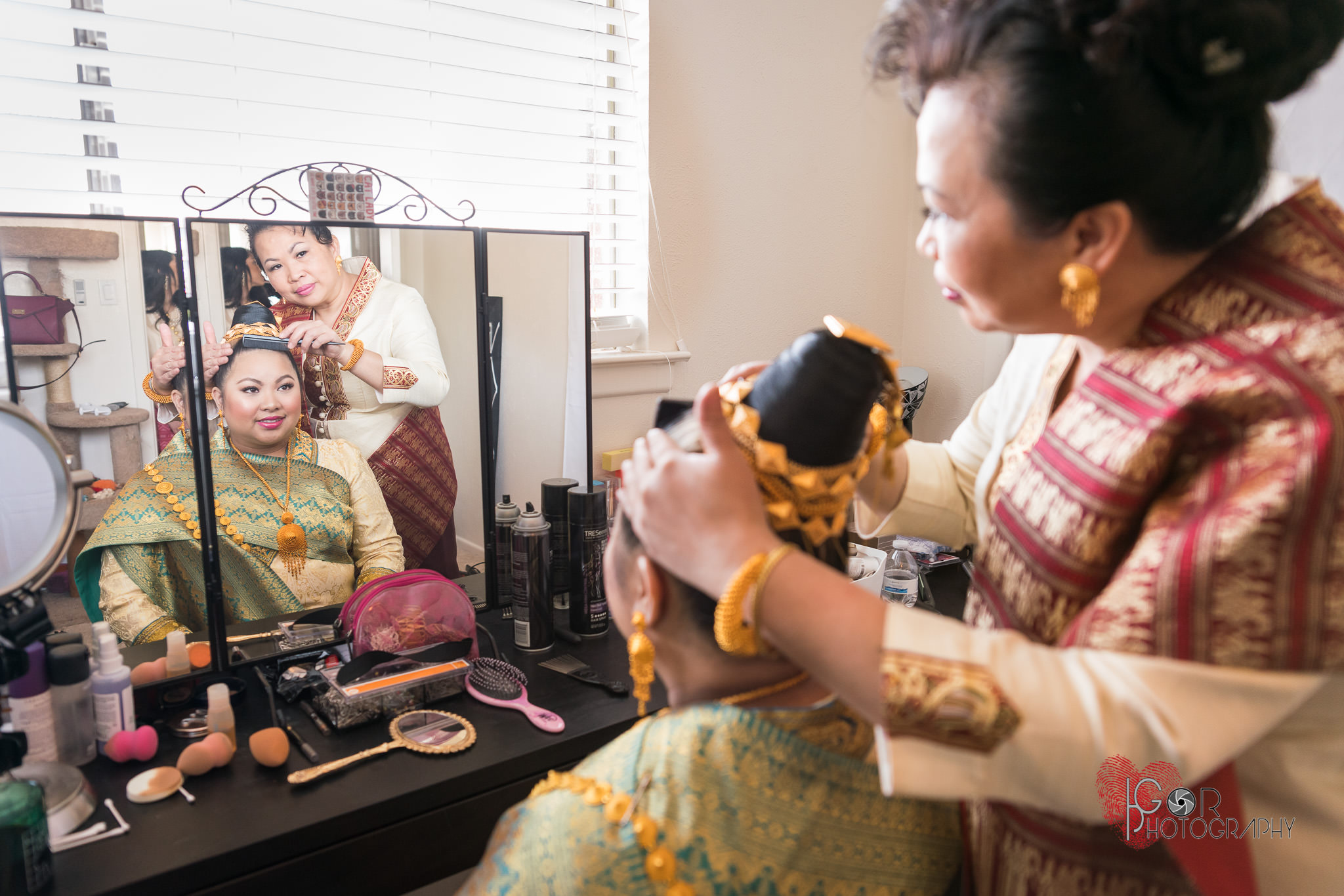 Laos bride getting ready