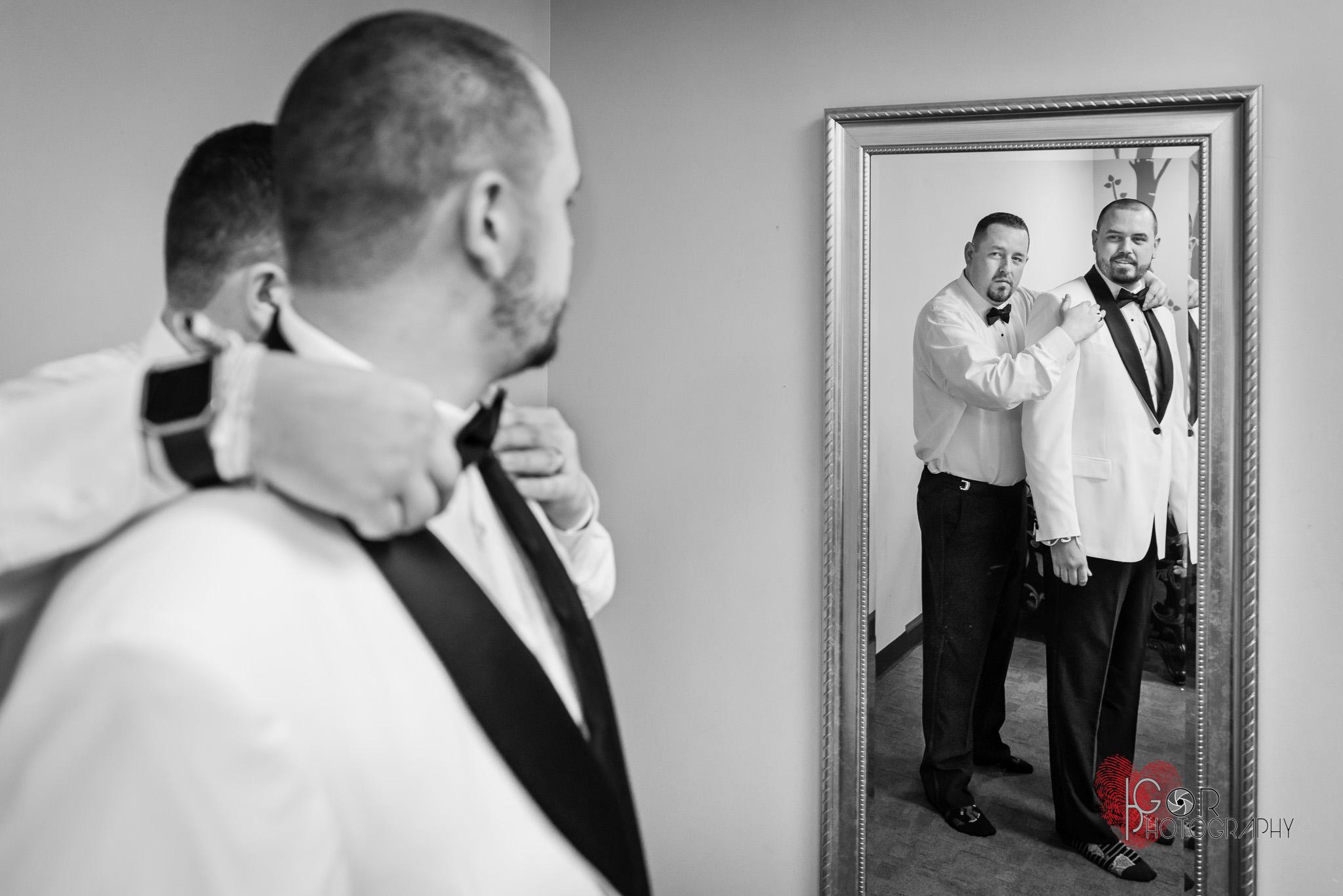 Las Lomas Irving Banquet Hall groom