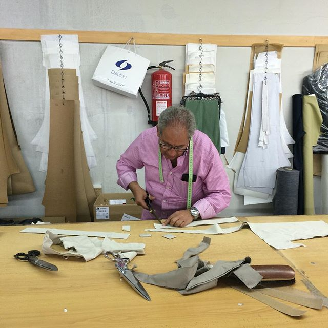 Master at work -Julián Muñoz- our trousers specialist in Toledo, Spain. A great professional and friend. #madeinspain #trousers #factory
