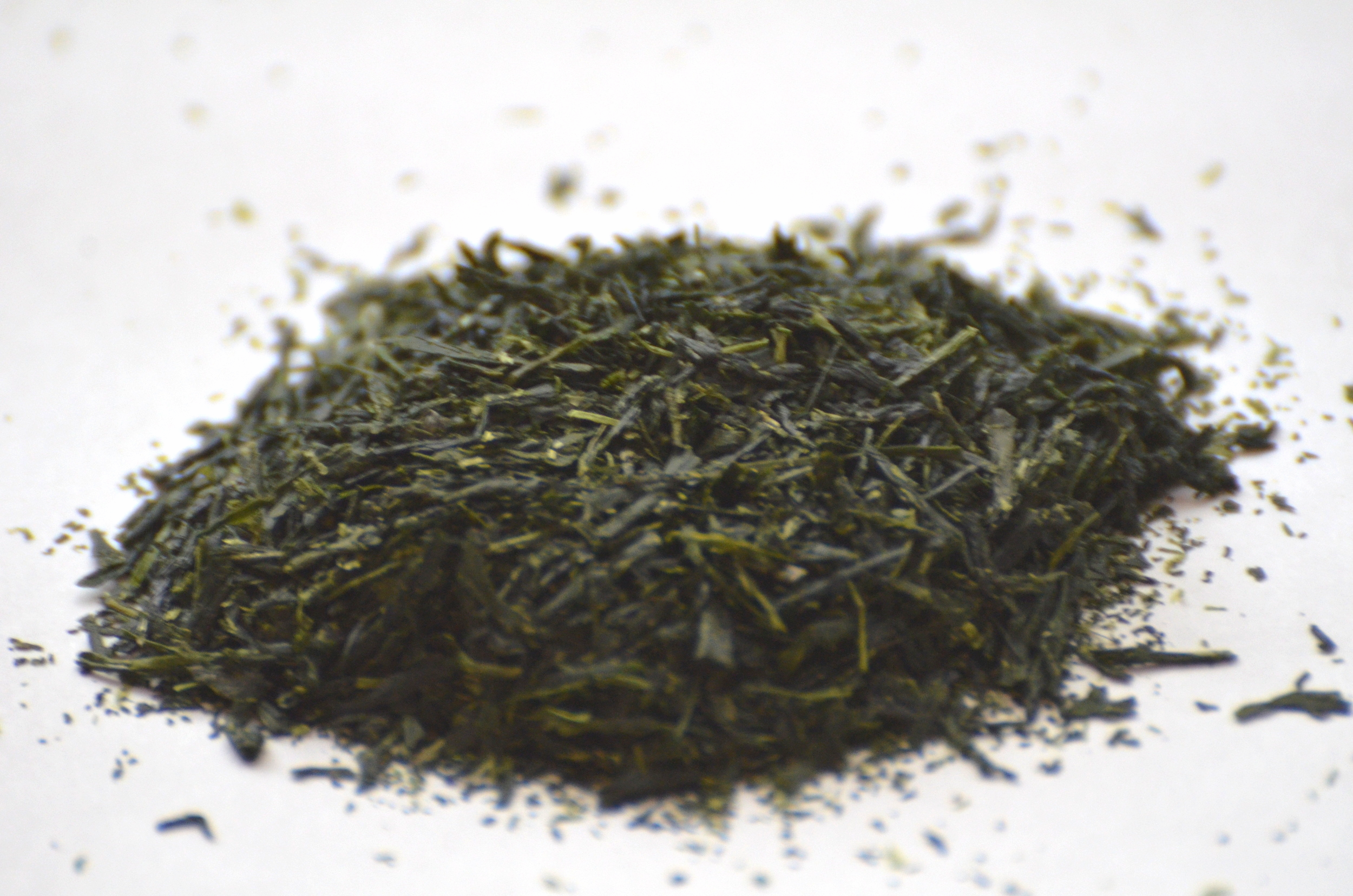 Dry Yame gyokuro leaves