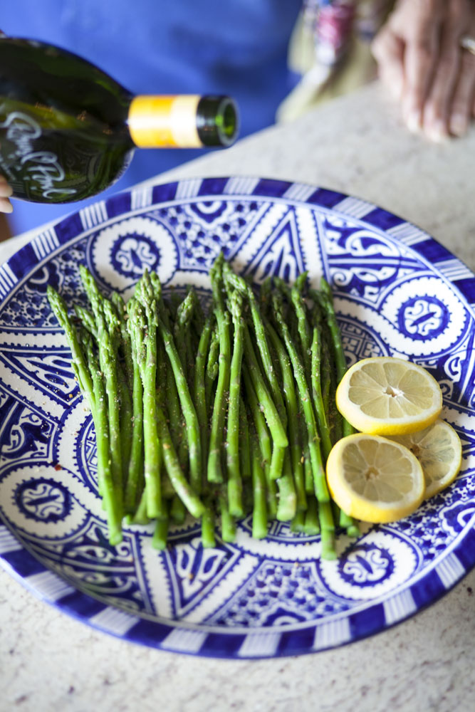 Effortless Entertaining: Seasoned Asparagus