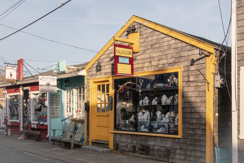 Some of the little art stores along the way…in between there are ally's that go out to the wharf and ocean.