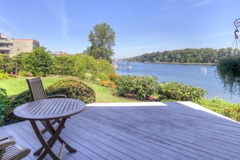 Bankside condos have breathtaking views of the Willamette