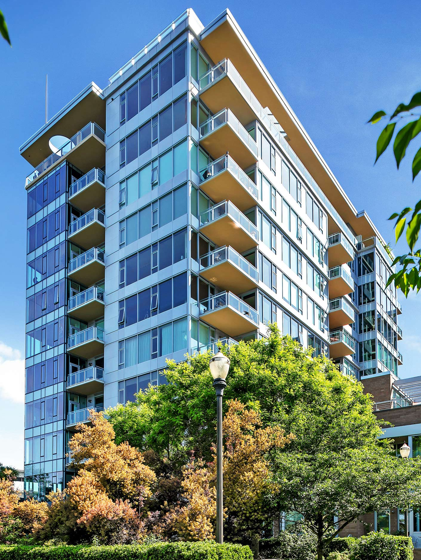 The Strand Condos:Located in Downtown Portland, Oregon next to the RiverPlace Marina and Tom McCall Waterfront Park.