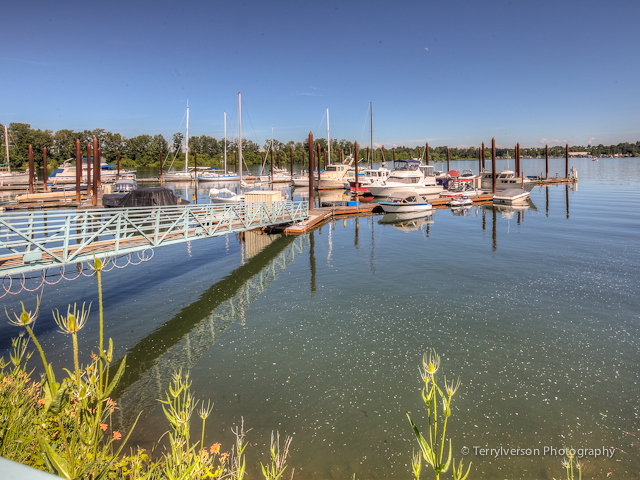 A private marina is adjacent to The Landing condos.