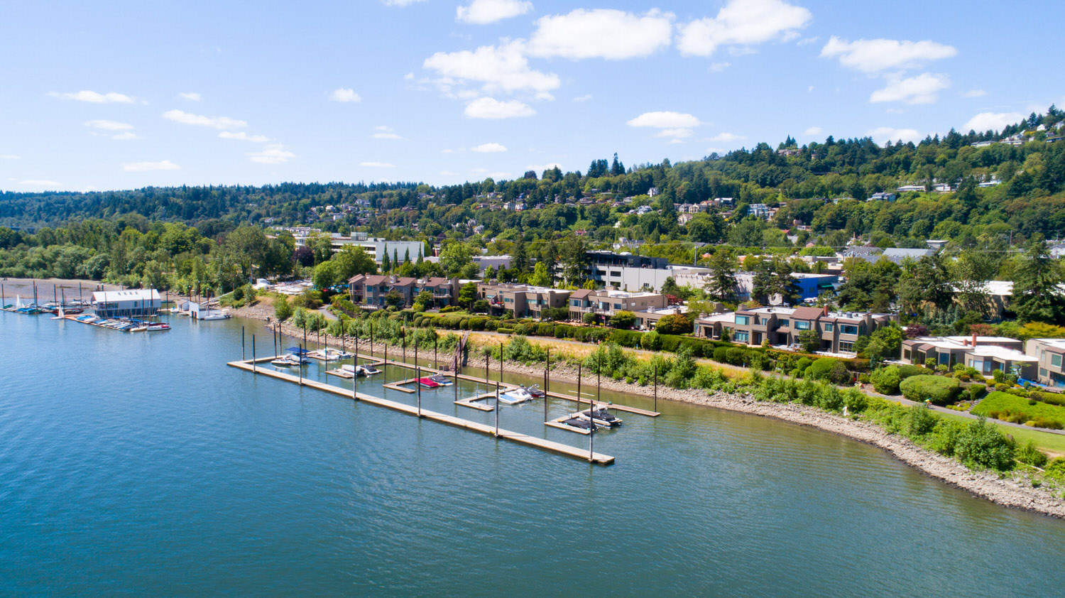 Riverpoint owners have access to a private marina.