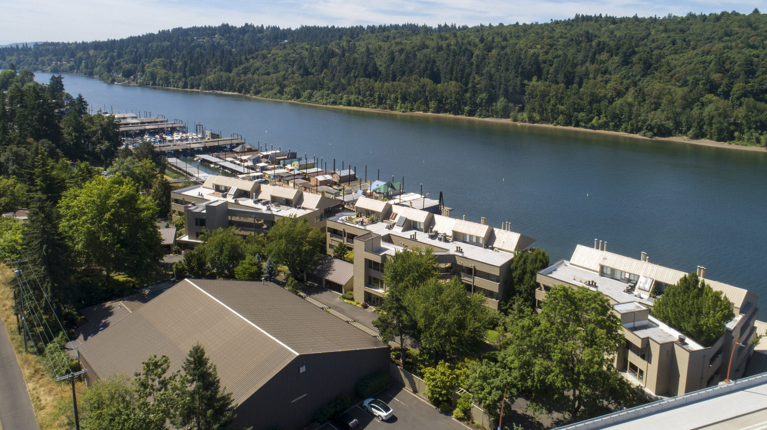 Sellwood Harbor condos and townhomes