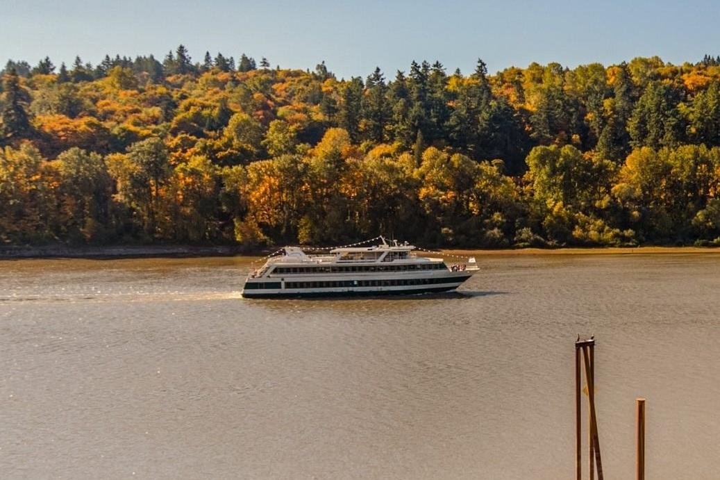 Portland Spirit sails past Quayside Condos