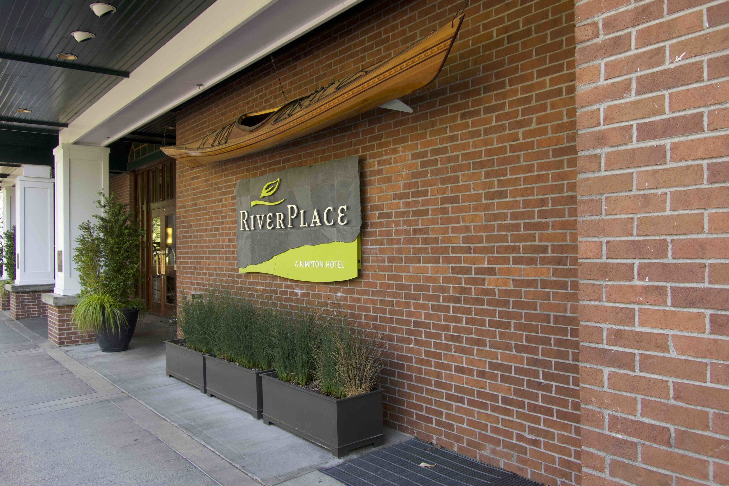RiverPlace Hotel Sign