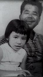 Abuelo de Sayuri y su mama de ni;a, x 260.jpg