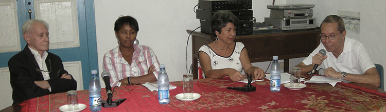 (From right to left) Cuban Nikkei Mario Naito and Lidia Fujishiro, Berta Carricarte.