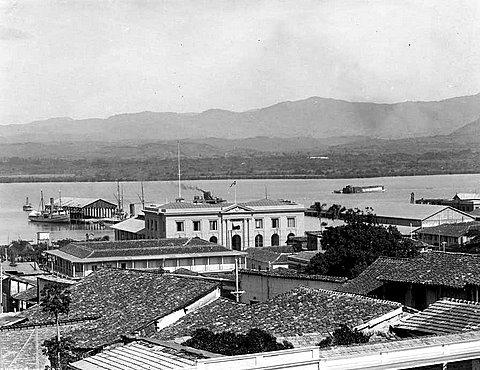"""Aduana de Santiago de Cuba, 1915""."