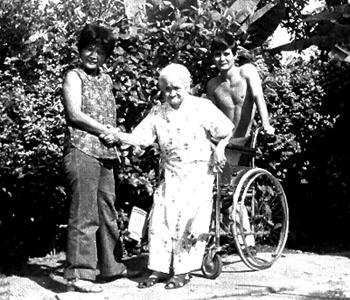 """""""Benita, Kame y Eduardo (nieto), 1982""""."""
