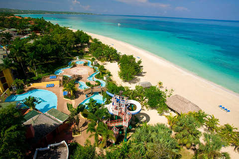 Beautiful beach AND a water park on property! The kids will be entertained!