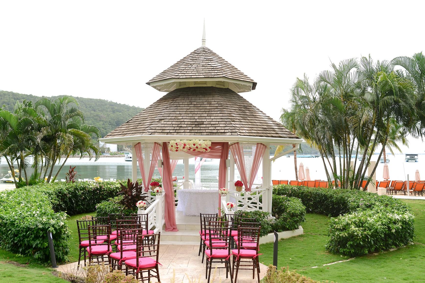Palace Wedding-South Gazebo (CustomizeDecor).jpg