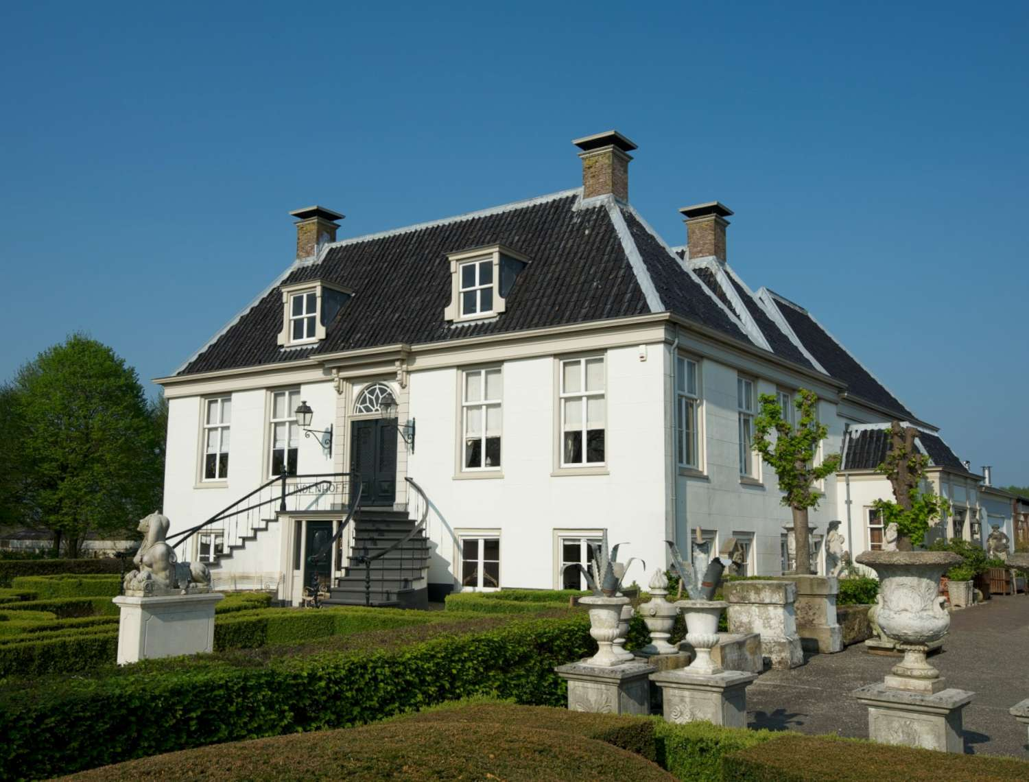 The historic building of the Lindenhof estate